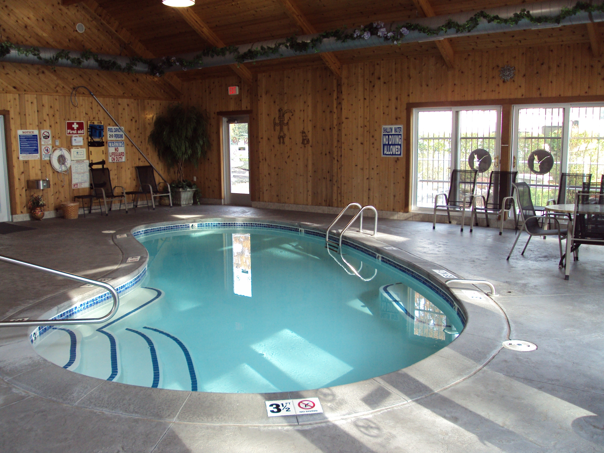 Exceptional The Indoor Pool And Hot Tub Are Available Daily From 9am To 9pm, For The  Entire Camping Season! So, Make Sure To Pack Swim Suits, Regardless Of The  Expected ...